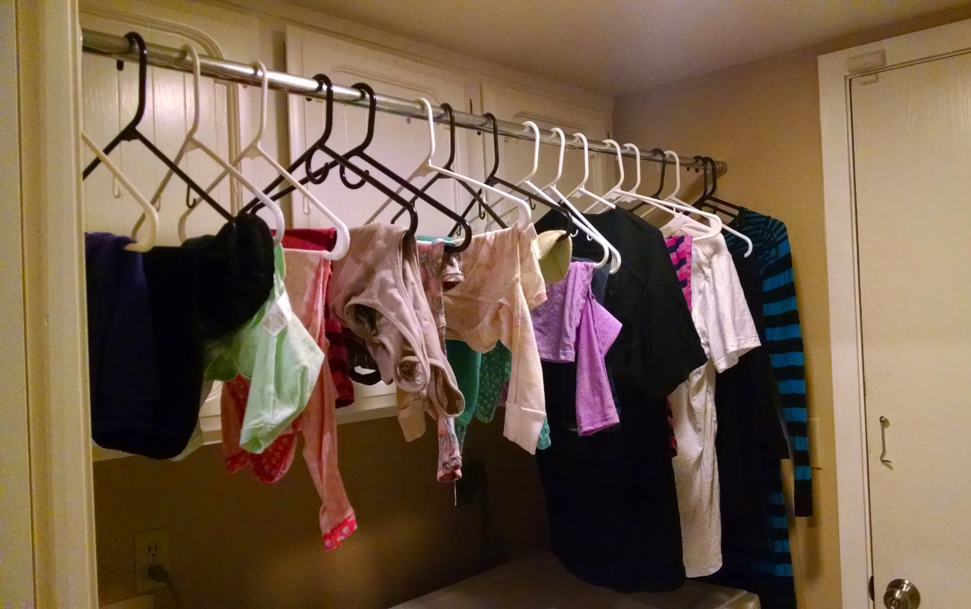 How To Hang Dry Clothes In The Winter